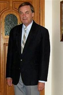 Gil Perth